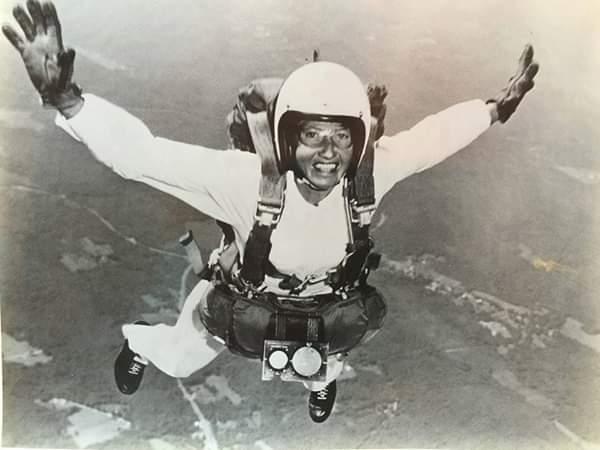 History-Middle Years – Ladies of Skydiving